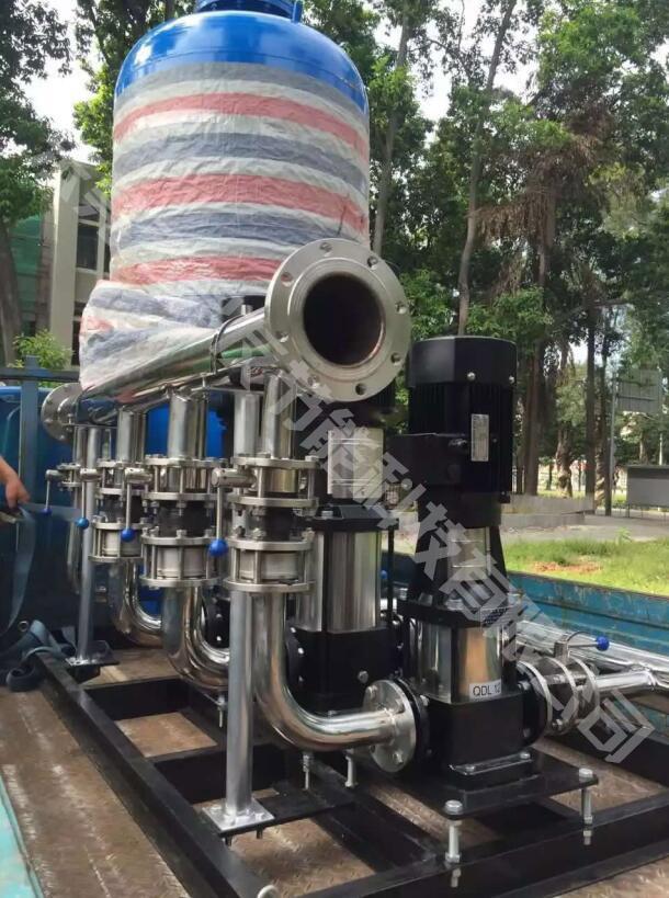 太阳能热泵热水工程晶友谈谈电与空气能热水器的迥异